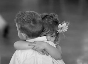 Imágenes-de-niños-abrazados-5